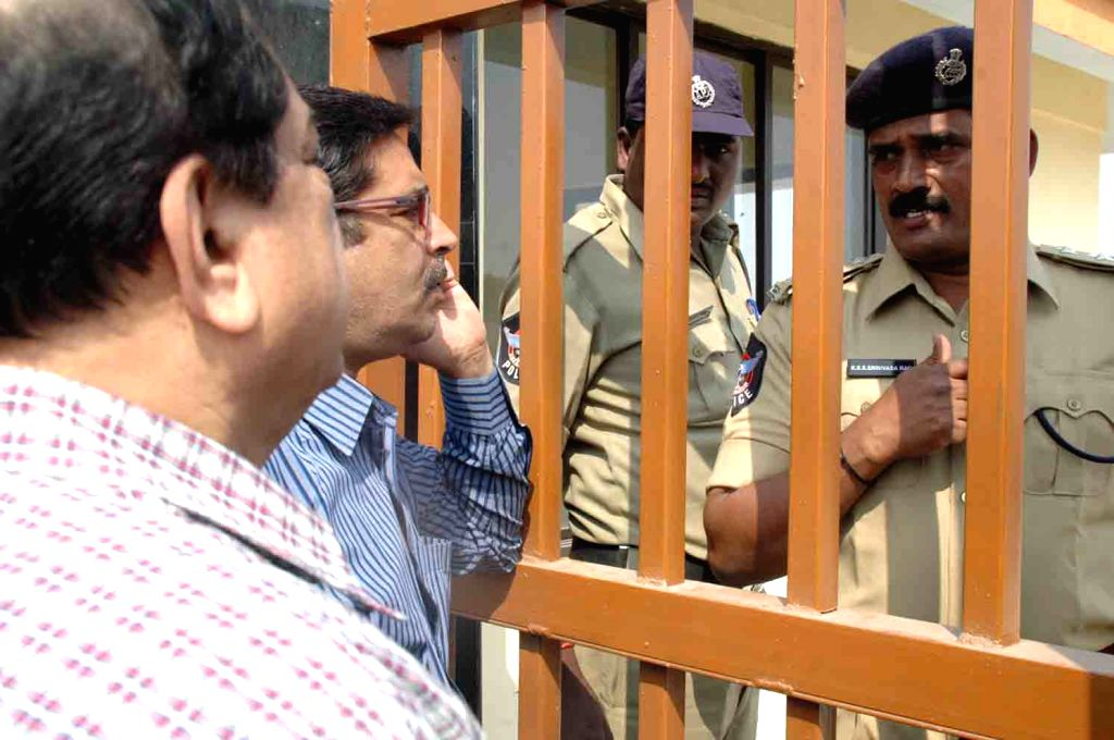 MIM chief and Hyderabad MP Asaduddin Owaisi, against whom a non-bailable warrant was pending in a 2005 case, on Monday appeared before a court in Sangareddy town of Medak district on 21st Jan which ..