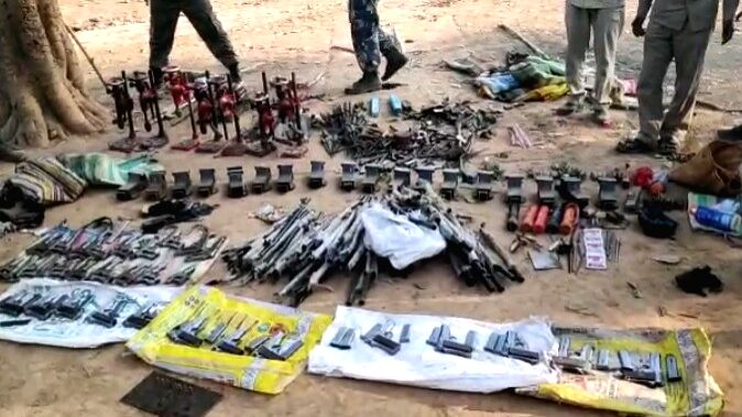 Mini gun factory busted, large amount of weapons recovered.