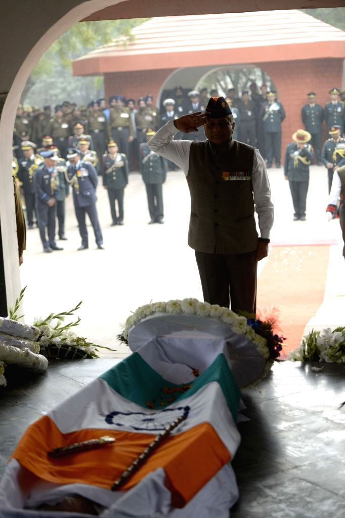 Minister of State (MoS) for External Affairs VK Singh pays tribute to Lt Gen JFR Jacob who passed away on 13th Jan 2016, in New Delhi, on Jan 14, 2016.