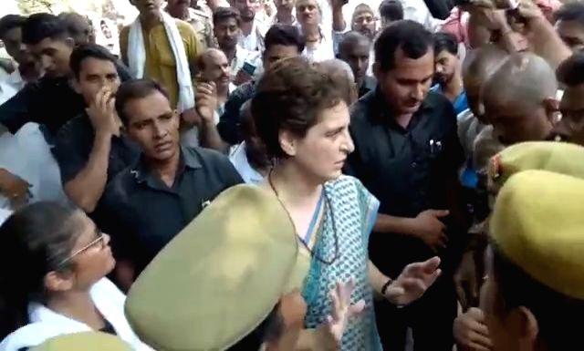 Mirzapur (UP): Congress General Secretary Priyanka Gandhi Vadra talks to the media at Chunar fort in Uttar Pradesh's Mirzapur on July 20, 2019. About 15 family members of the victims of the ... - Priyanka Gandhi Vadra