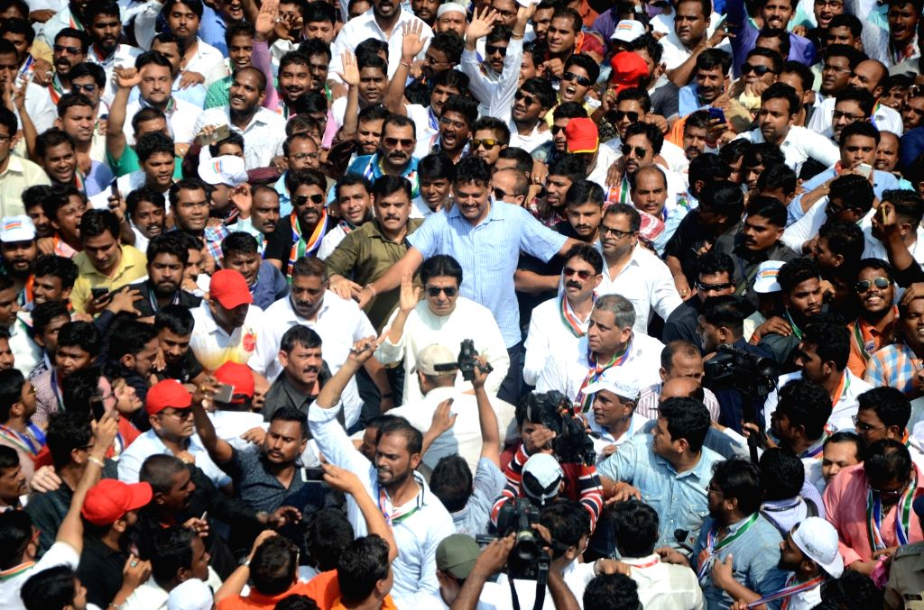 MNS chief Raj Thackeray leads Santap rally against Elphinstone Road railway station stampede that killed 23 people and left over 30 injured, in Mumbai on Oct 5, 2017.