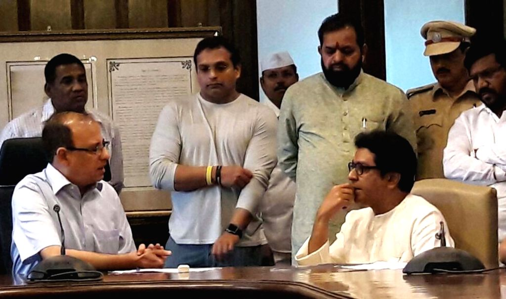 MNS Chief Raj Thackeray meets BMC Commissioner Ajoy Mehta at BMC Headquarters in Mumbai, on Oct 11, 2017. - Ajoy Mehta
