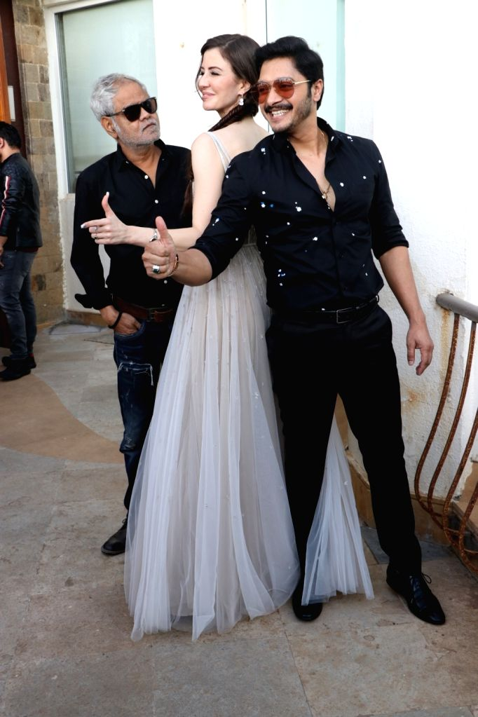 """Model Georgia Andriani, actors Sanjay Mishra and Shreyas Talpade during the promotions of their upcoming film """"Welcome to Bajrangpur"""" in Mumbai on Nov 7, 2019. - Georgia Andriani, Sanjay Mishra and Shreyas Talpade"""