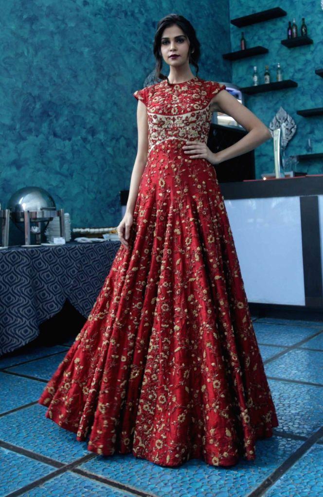 Model Lisha Sharma showcase designer Saroj Jalan latest A/W collection to be featured in Lakme Fashion Week in Kolkata on Aug 19, 2016. - Lisha Sharma