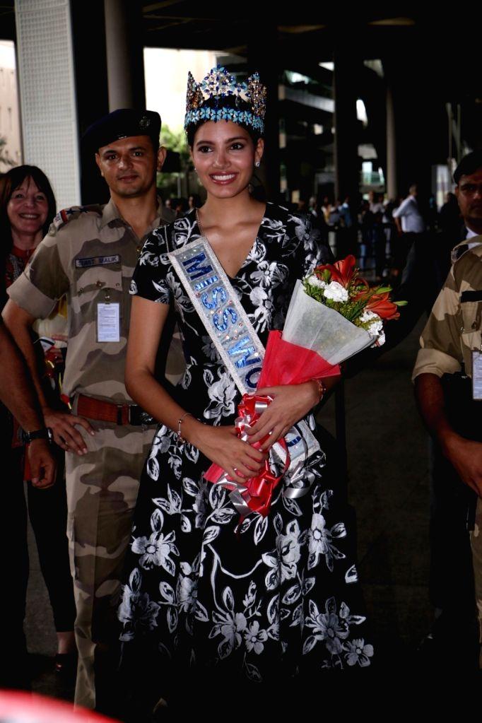 Model Stephanie Del Valle Miss World 2016 Arrive Mumbai International Airport in Mumbai, on June 22, 2017. - Stephanie Del Valle Miss World