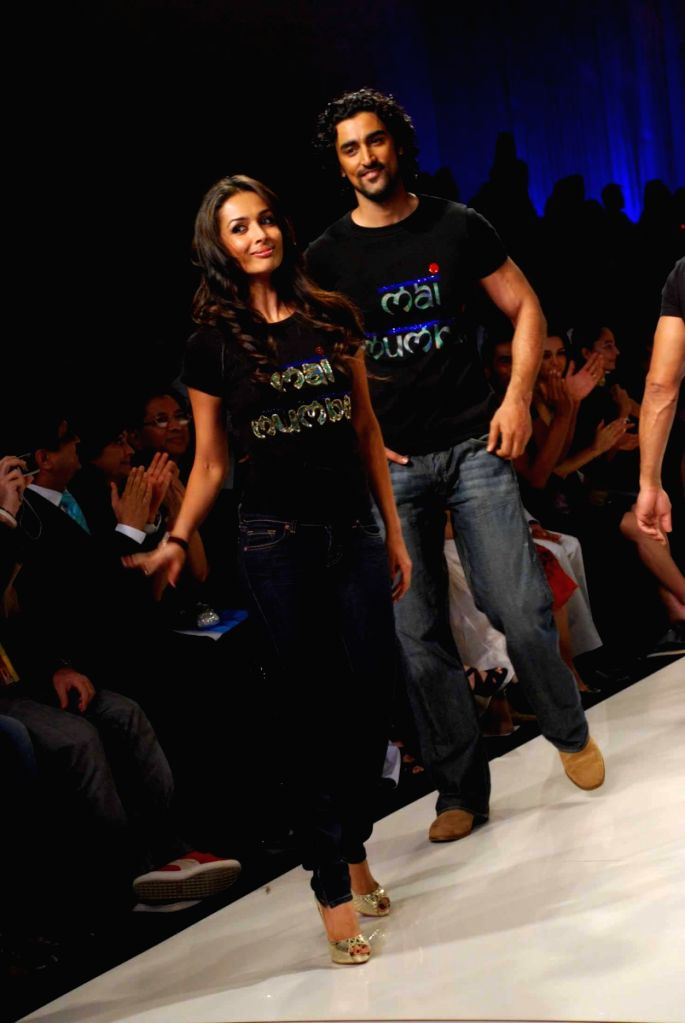 Model-turned-actor Milind Soman on the ramp for 'Mai Mumbai' Show at Lakme fashion week 2009. - Milind Soman