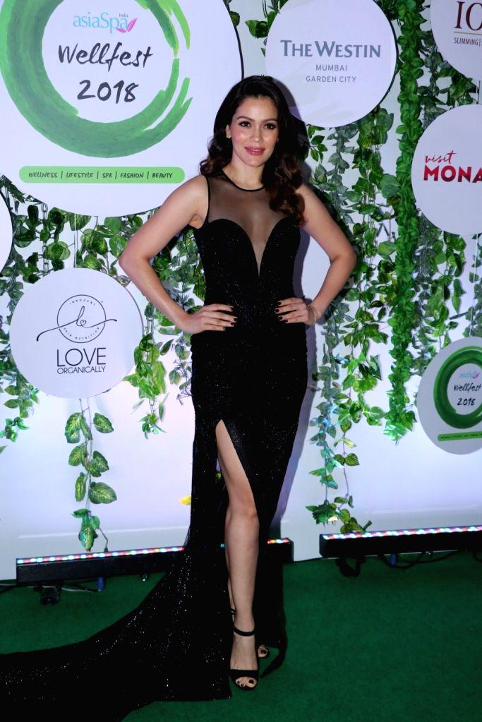 Model Waluscha De Sousa at the red carpet of Asia Spa Fit & Fabulous Awards 2018 in Mumbai on Oct 30, 2018. - Waluscha D