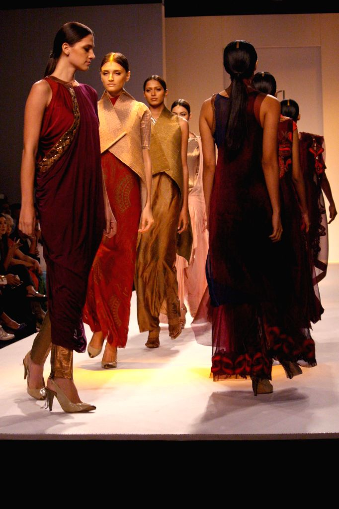 Wills Lifestyle India Fashion Week Autumn Winter 14 Kiran Uttam Ghosh