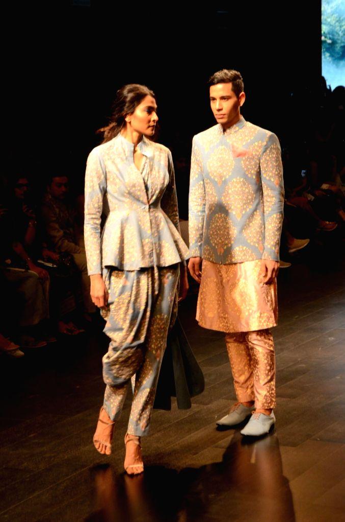Models showcase fashion designers Sonam and Paras Modi's creation on Day 3 of the Lakme Fashion Week Summer/Resort 2019 in Mumbai, on Feb 1, 2019. - Modi