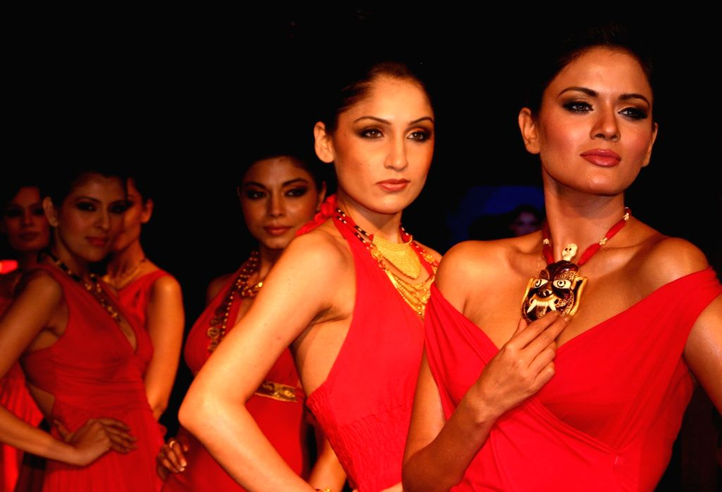 """Models showcasing Tribal Jewellery collection by """"Adi- Kriti"""", in New Delhi on Wednesday night 4 June 2009."""