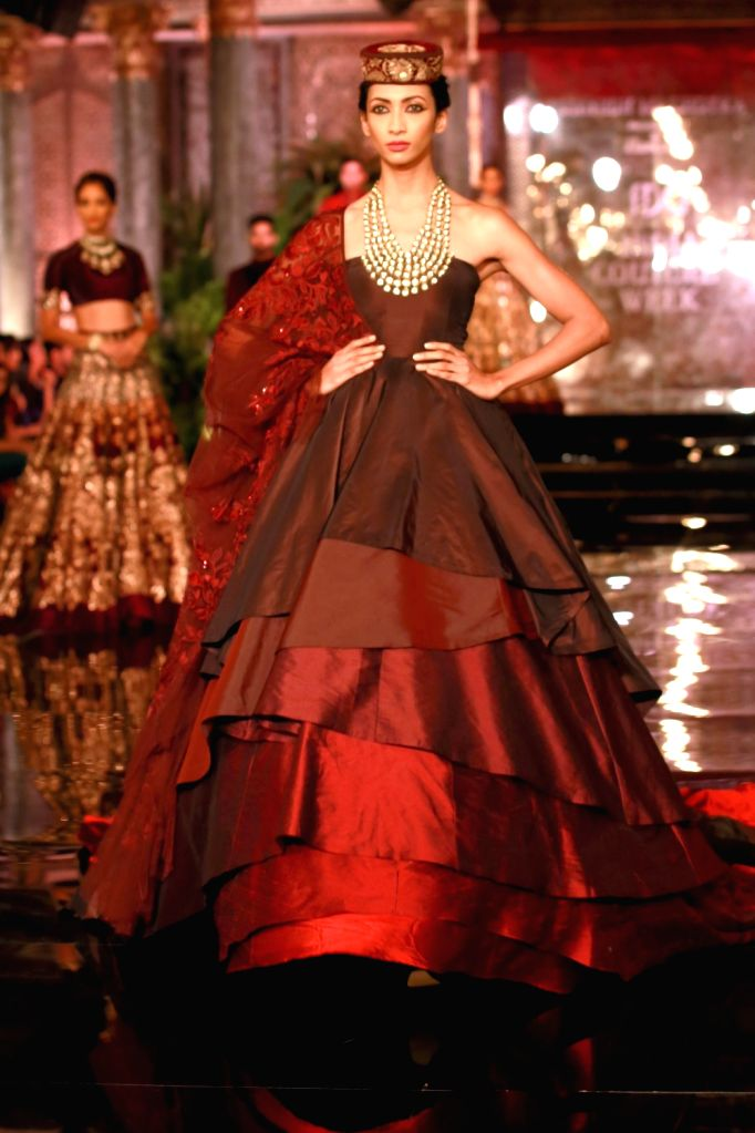 Models walk the ramp during the designer Manish Malhotra's fashion show at the FDCI India Couture Week 2016 in New Delhi on July 20, 2016. - Manish Malhotra