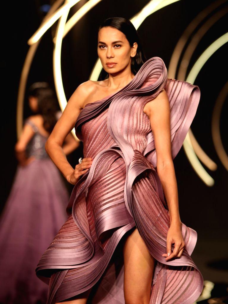 Models walk the ramp for designer Gaurav Gupta at India Couture Week on July 27, 2019 - Gaurav Gupta