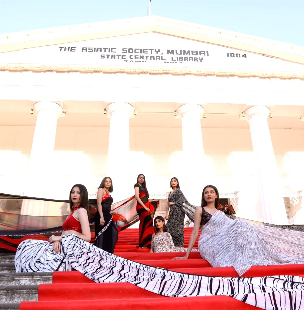 Models wearing Satya Paul Renovation of the Asiatic Society of Mumbai on Feb 27, 2017.