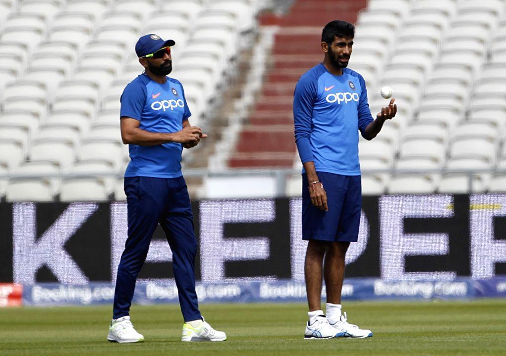 Mohammed Shami and Jasprit Bumrah. (Photo: Surjeet Yadav/IANS) - Surjeet Yadav
