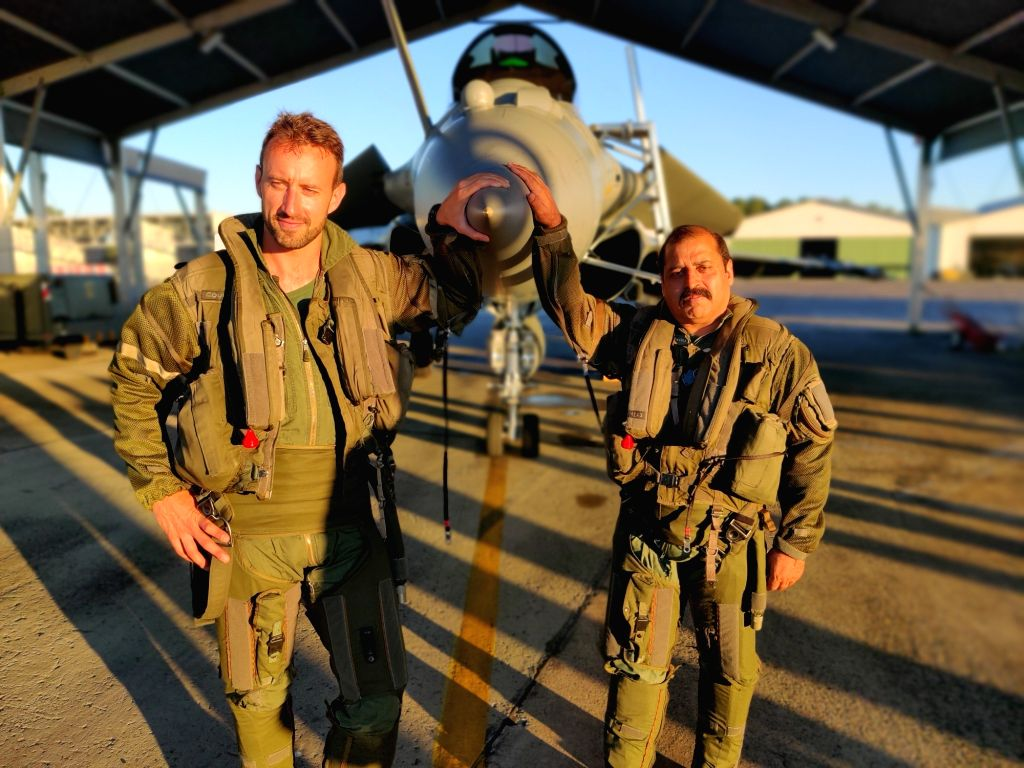 Mont-de-Marsan: IAF Vice Chief of Air Staff Air Marshal R.K.S. Bhadauria with French Air Force's Colonel Antoine Courty during the India-French joint air exercise Garuda-VI at the French Air Base Mont-de-Marsa, on July 12, 2019. The Air Marshal flew