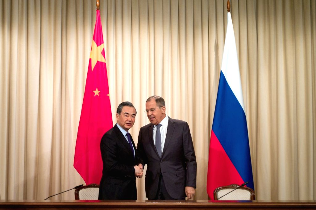 MOSCOW, April 5, 2018 - Chinese President Xi Jinping's special envoy, State Councilor and Foreign Minister Wang Yi (L) and Russian Foreign Minister Sergei Lavrov attend a press conference after their ... - Wang Y