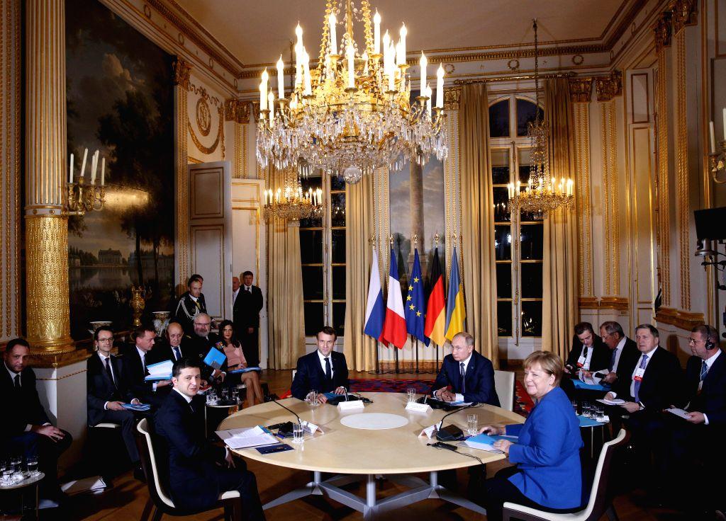 Moscow continues work to coordinate Putin-Macron-Merkel talks