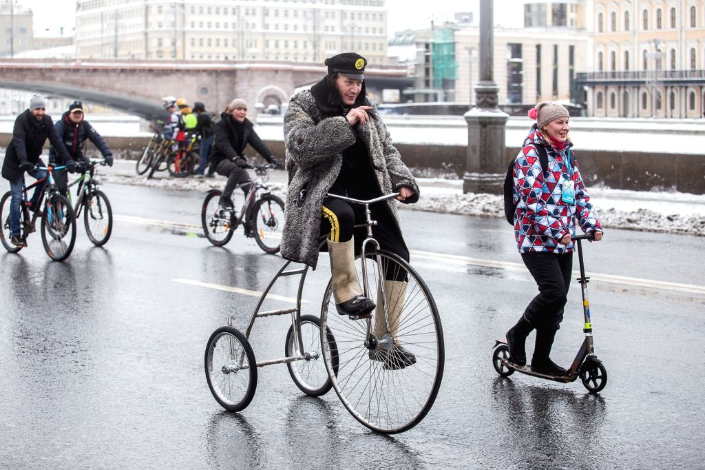 MOSCOW, Feb. 11, 2018 - People participate in the winter bike parade in Moscow, Russia, on Feb. 11, 2018. More than 2,000 cyclists from 25 countries took part in the third winter bike parade in ...