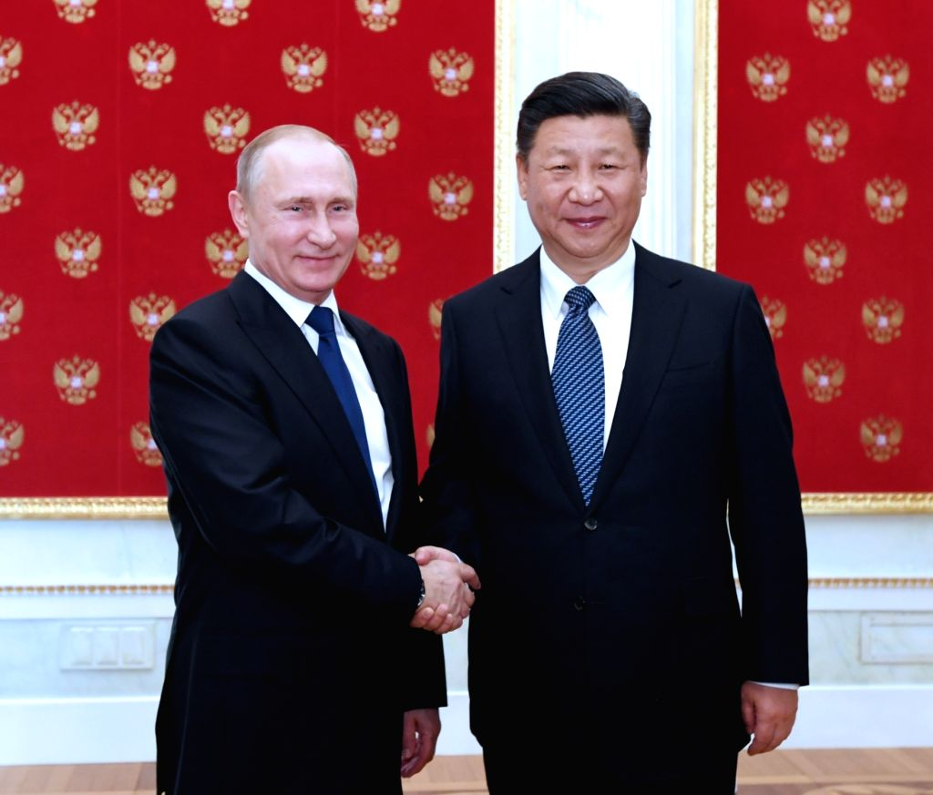 MOSCOW, July 3, 2017 - Chinese President Xi Jinping (R) meets with his Russian counterpart Vladimir Putin at the Kremlin in Moscow, capital of Russia, July 3, 2017.
