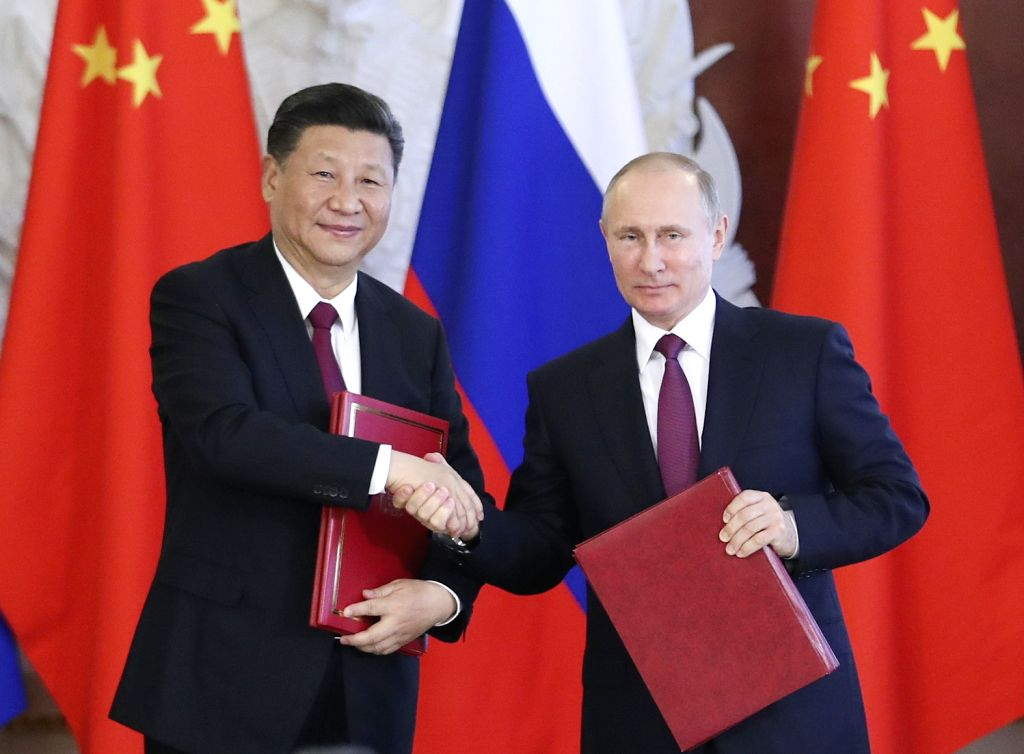 MOSCOW, July 4, 2017 - Chinese President Xi Jinping and his Russian counterpart Vladimir Putin attend a signing ceremony after their talks in Moscow, Russia, July 4, 2017.