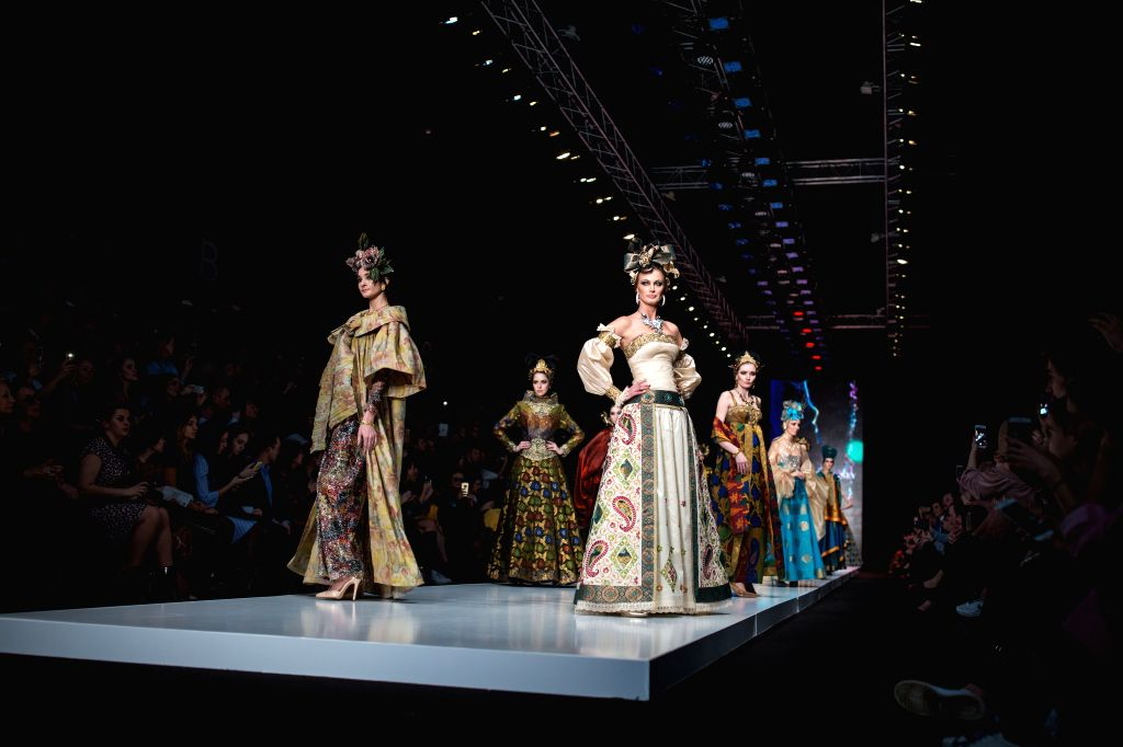 MOSCOW, March 13, 2017 - Models present creations of Russian designer Slava Zaitsev during the Mercedes-Benz Fashion Week Fall/Winter 2017 in Moscow, Russia, on March 12, 2017. The 6-day ...