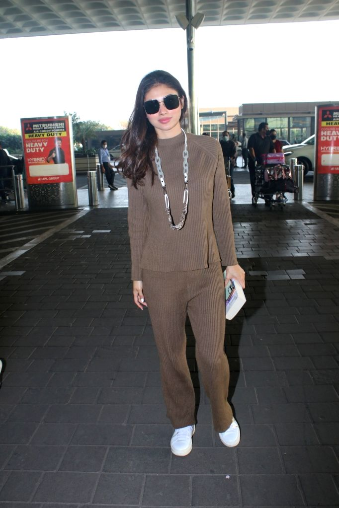 Mouni Roy Spotted at Airport Departure Monday 22th February 2021. - Mouni Roy Spotted