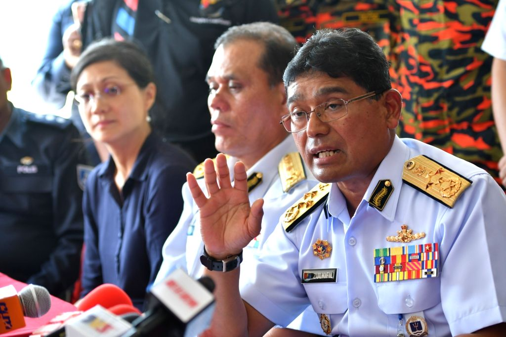MUAR(MALAYSIA), March 22, 2018 Zulkifili Abu Bakar (R), chief of Malaysian Maritime Enforcement Agency (MMEA), speaks at a press conference in Parit Jawa in southern Malaysian state of ...