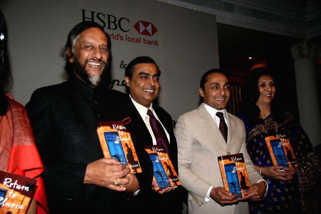 Mukesh Ambani and Rahul Bose at Pachauri's book Return to Almora launch at Taj. - Mukesh Ambani