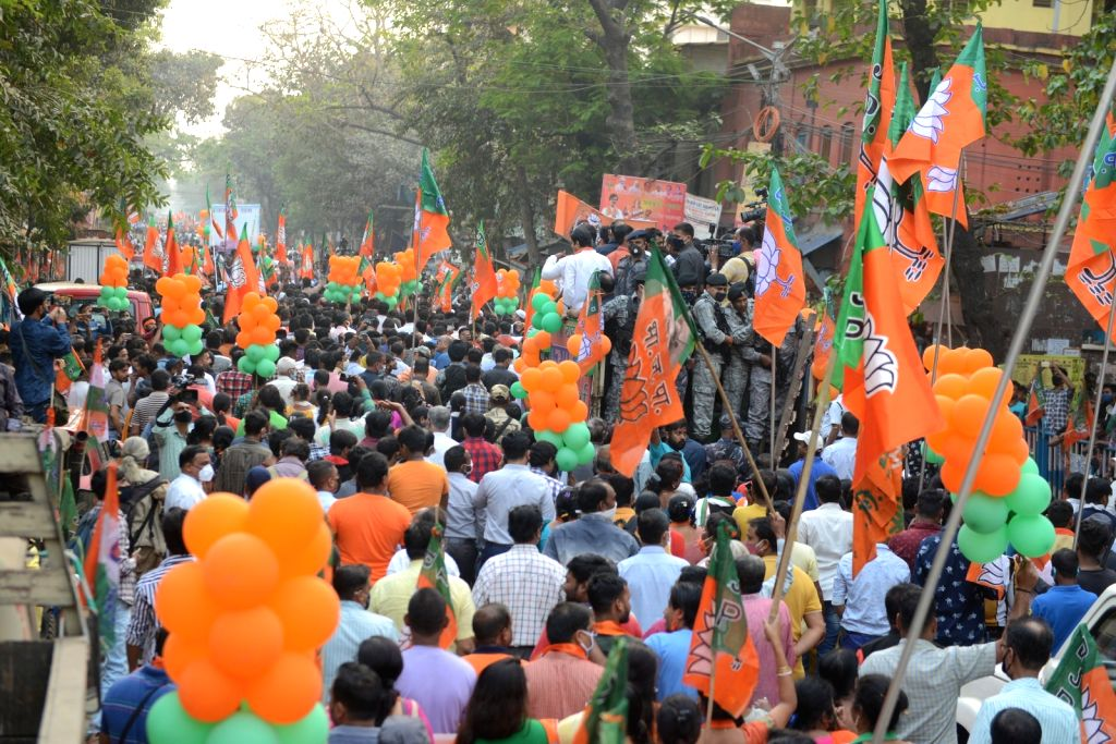 Mukul Roy, leader Arjun Singh, Suvendu Adhikary, Rajib Banerjee with other leaders and activists took part in a rally ahead of West Bengal Assembly election in Kolkata, West Bengal on ... - Mukul Roy, Arjun Singh and Rajib Banerjee