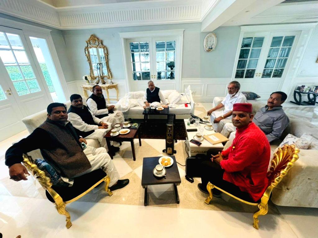 Mulayam addressing meeting of Lohia Trust.