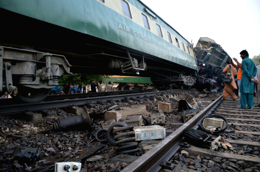 MULTAN, Sept. 15, 2016 - Photo taken on Sept. 15, 2016 shows derailed compartments of a passenger train on the outskirts of central Pakistan's Multan. At least six people were killed and over 150 ...