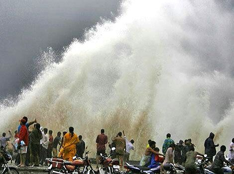 A view of waves in the Arabian Sea during high tide in Mumbai on June 19, 2015.