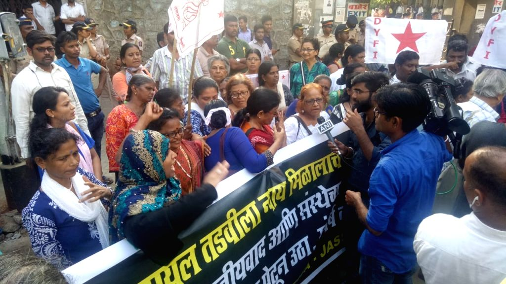 Mumbai: Activists of Students Federation of India (SFI) and other student organisations stage a demonstration against the recent suicide of a post-graduate woman medical student due to alleged casteist abuse in a Mumbai hospital, demanding stringent