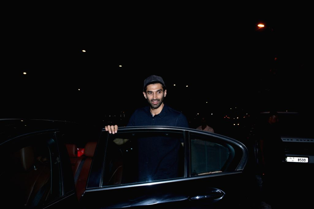 Mumbai: Actor Aditya Roy Kapur seen at Mumbai's Bandra on Jan 3, 2019. (Photo: IANS) - Aditya Roy Kapur