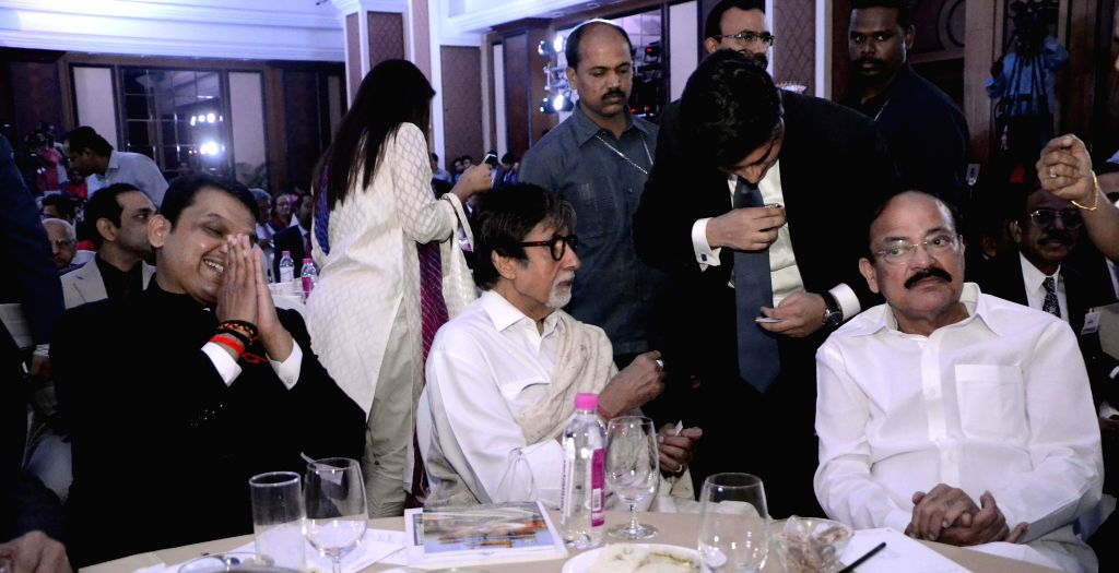 Actor Amitabh Bachchan, Maharashtra Chief Minister Devendra Fadnavis and Union Minister for Urban Development, Housing and Urban Poverty Alleviation and Parliamentary Affairs, M. Venkaiah ... - Amitabh Bachchan and M. Venkaiah Naidu