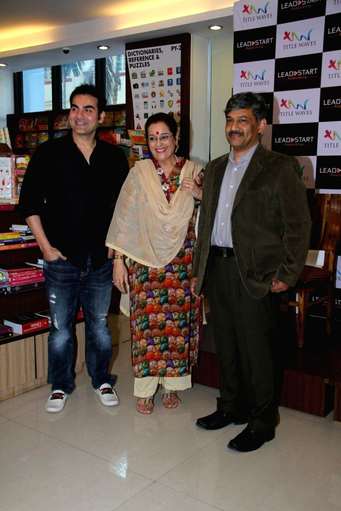 Actor and filmmaker Arbaaz Khan and Poonam Sinha during the launch of author Dr P V Vaidyanathan`s book Why not use some common sense in Mumbai, on April 4, 2015. - Arbaaz Khan and Poonam Sinha