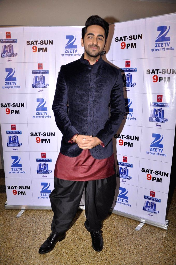 Actor Ayushmann Khurana during promotion of Hawaizaada on DID sets in Mumbai on 14th Jan 2015 - Ayushmann Khurana