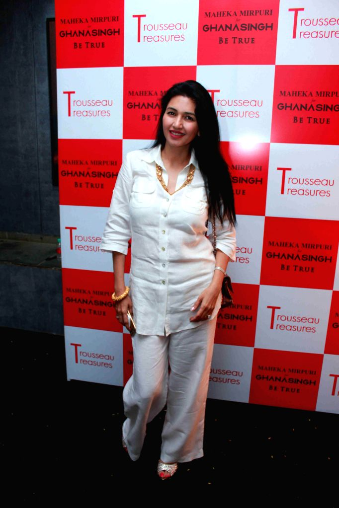 Actor Deepti Bhatnagar during the unveiling of latest Trousseau Treasures collection by Maheka Mirpuri at Ghanasingh Be True Store in Mumbai, on Feb 11, 2015. - Deepti Bhatnagar