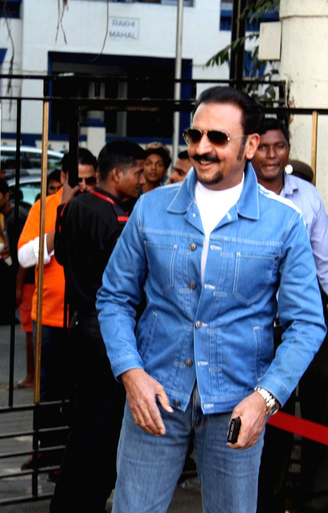 Actor Gulshan Grover during the Celebrity Cricket League (CCL) in Mumbai, on jan. 10, 2015. - Gulshan Grover