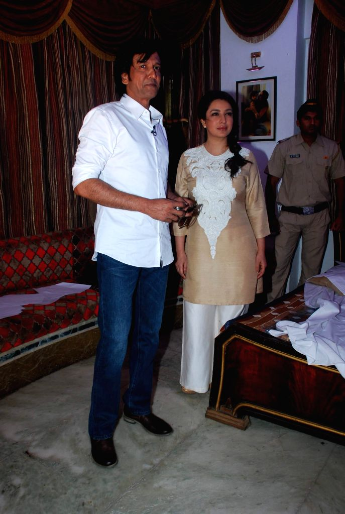 Actor Kay Kay Menon and Tisca Chopra during the trailer launch of upcoming film Rahasya in Mumbai, on Jan. 12, 2015. - Kay Kay Menon and Tisca Chopra