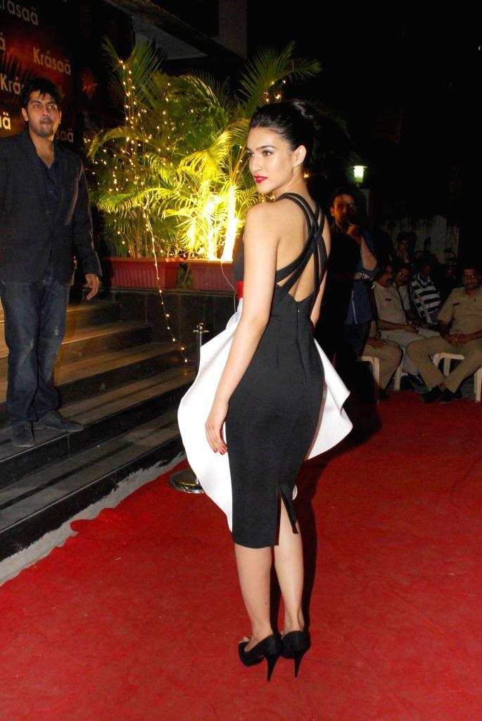 Actor Kriti Sanon during opening of Vikram Phadnis fashion store Krasaa in Mumbai on Sunday, Dec. 7, 2014. - Kriti Sanon
