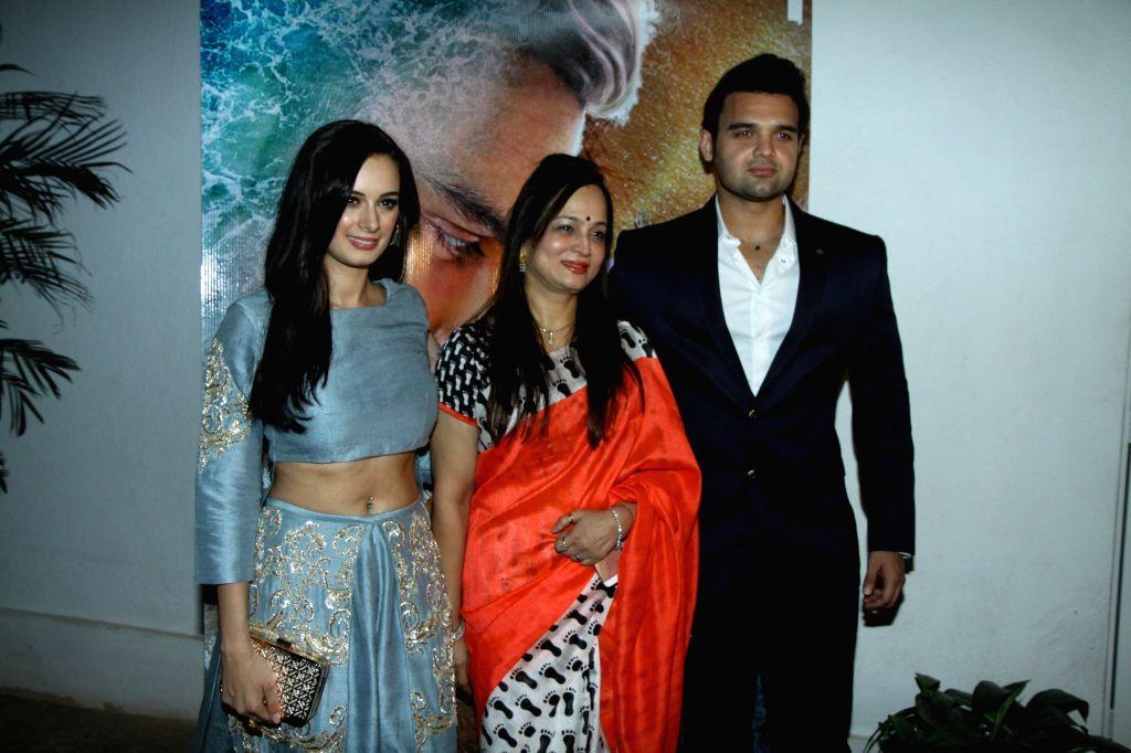 Actor Mahaakshay Chakraborty filmmaker Smita Thackeray and actress Evelyn Sharma during the trailer launch of film Ishqedarriyaan in Mumbai on 7th April 2015. - Mahaakshay Chakraborty and Evelyn Sharma