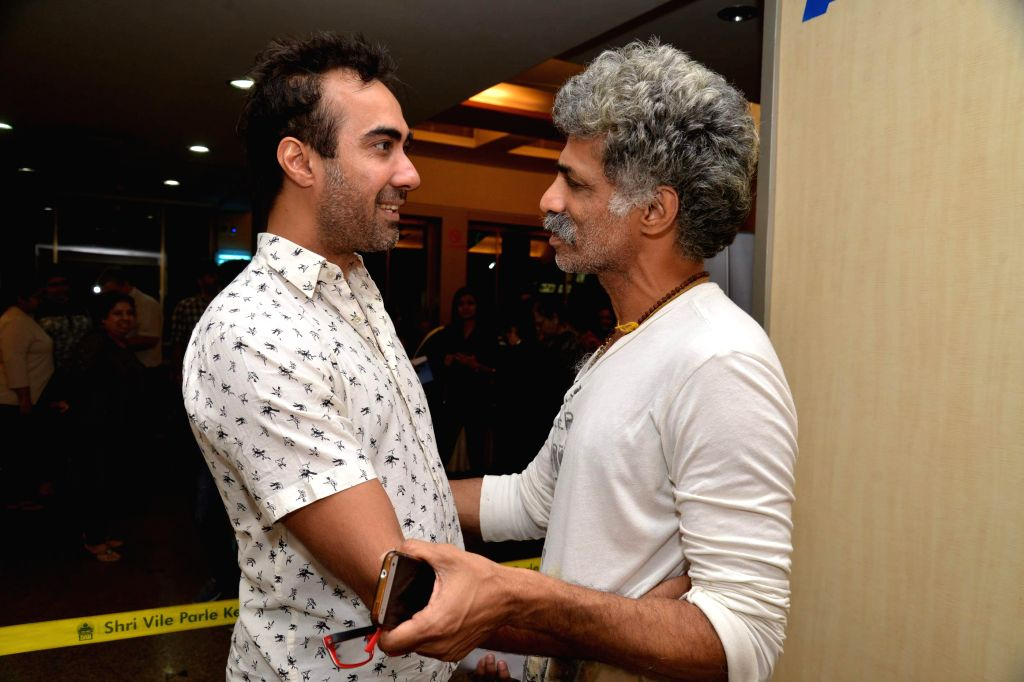 Actor Makarand Deshpande and Ranvir Shorey during Ashvin Gidwani`s play Two to Tango Three to Jive, in Mumbai on April 4, 2015. - Makarand Deshpande