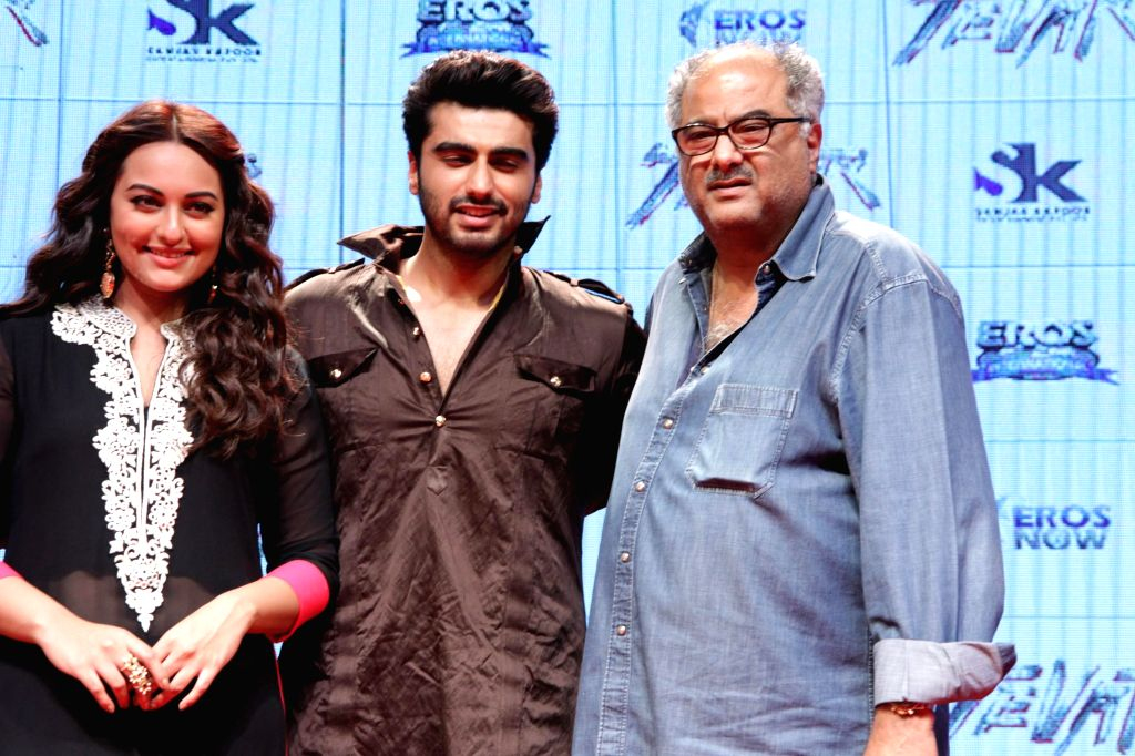 Actor Manoj Bajpai, Sonakashi Sinha and Arjun Kapoor during the trailer launch of film `Tevar` in Mumbai on 10 Nov. 2014. - Manoj Bajpai, Sonakashi Sinha and Arjun Kapoor