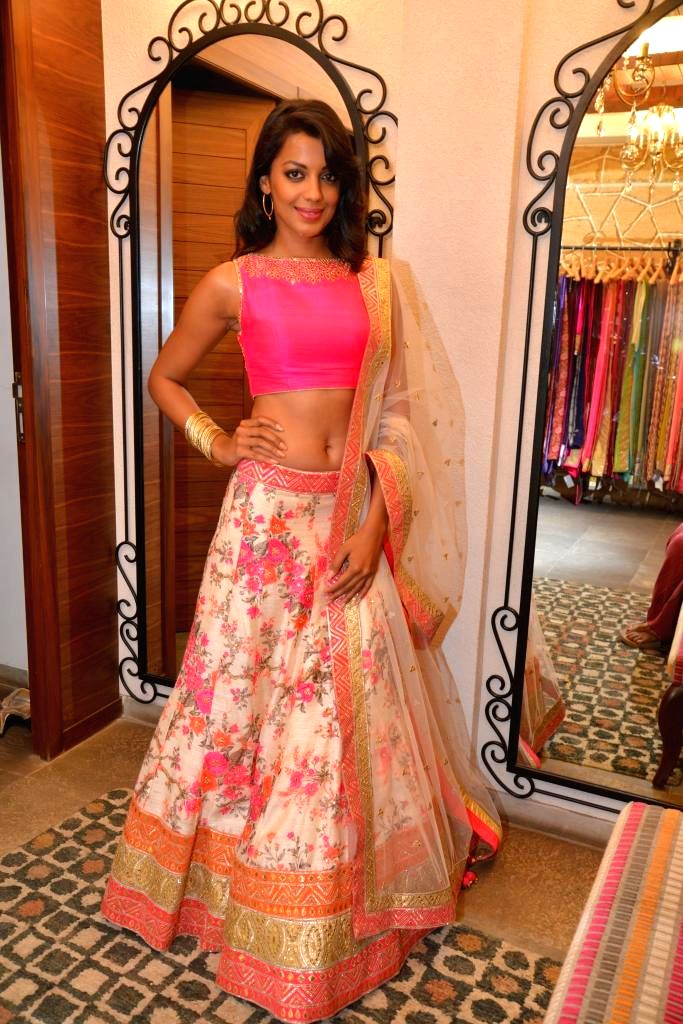 Actor Mugdha Godse during the launch of Spring Summer Collection 2015 by designers Tamanna Punjabi Kapoor and Shruti Sanchet in Mumbai, on March 13, 2015. - Mugdha Godse and Tamanna Punjabi Kapoor