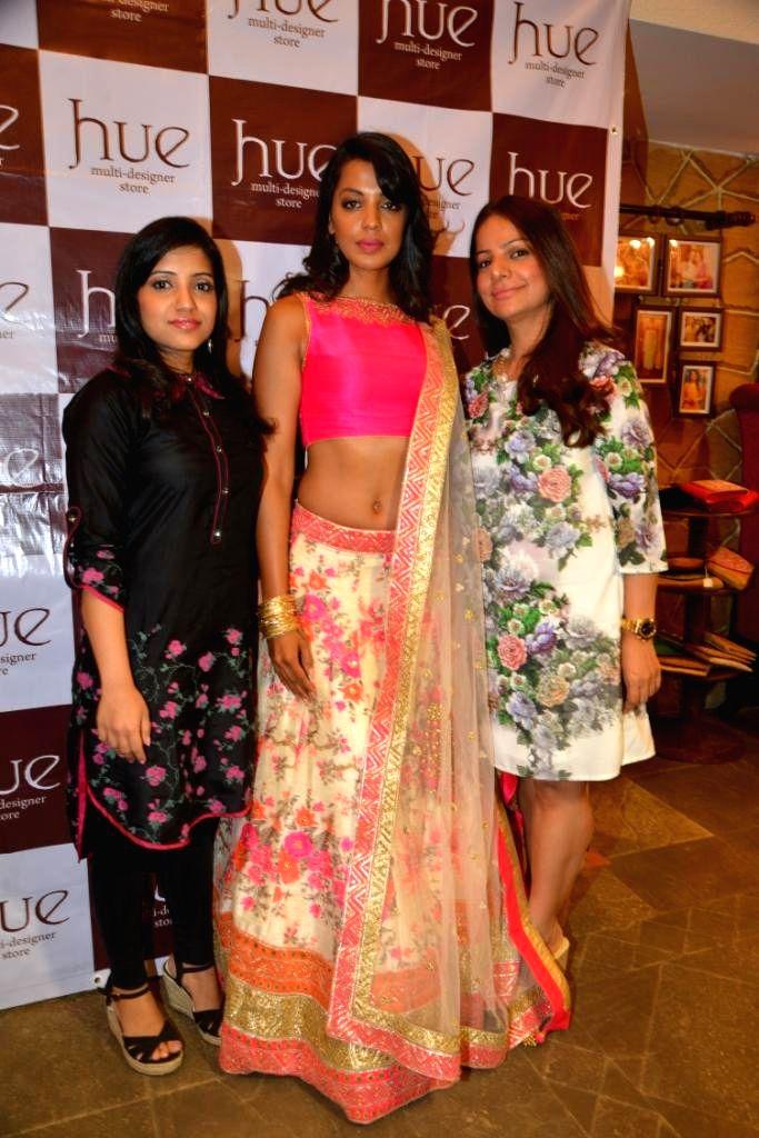 Actor Mugdha Godse with Mahima Bansal and Designer Tamanna Punjabi Kapoor during the launch of Spring Summer Collection 2015 by designers Tamanna Punjabi Kapoor and Shruti Sanchet in Mumbai, ... - Mugdha Godse and Tamanna Punjabi Kapoor