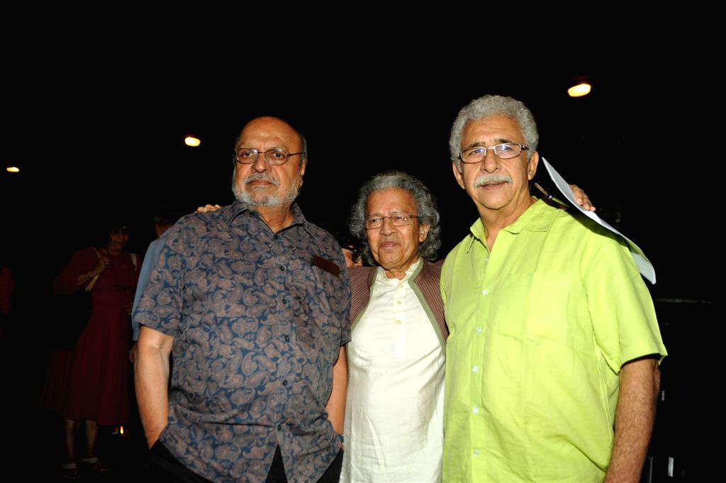 Actor Naseeruddin Shah with writer Anil Dharkar and filmmaker Shyam Benegal during the launch of his book 'And Then One Day: A Memoir' in Mumbai on Nov 26, 2014. - Naseeruddin Shah