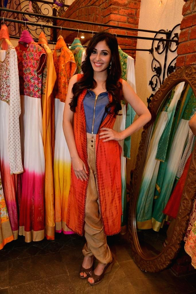 Actor Pooja Chopra during the launch of Spring Summer Collection 2015 by designers Tamanna Punjabi Kapoor and Shruti Sanchet in Mumbai, on March 13, 2015. - Pooja Chopra and Tamanna Punjabi Kapoor
