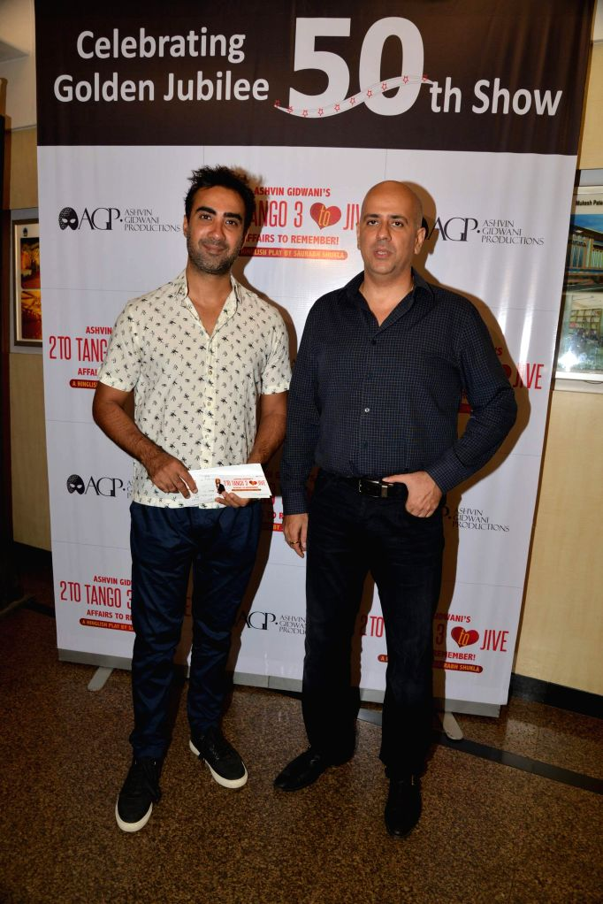 Actor Ranvir Shorey and Ashvin Gidwani during Ashvin Gidwani`s play Two to Tango Three to Jive, in Mumbai on April 4, 2015. - Ranvir Shorey
