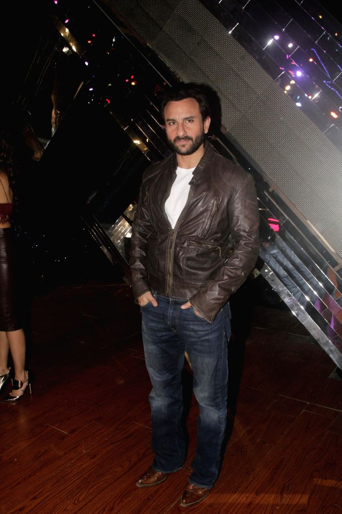 Actor Saif Ali Khan during the promotion of film Happy Ending on the sets of reality show Indias Raw Star in Mumbai on 10 Nov. 2014. - Saif Ali Khan